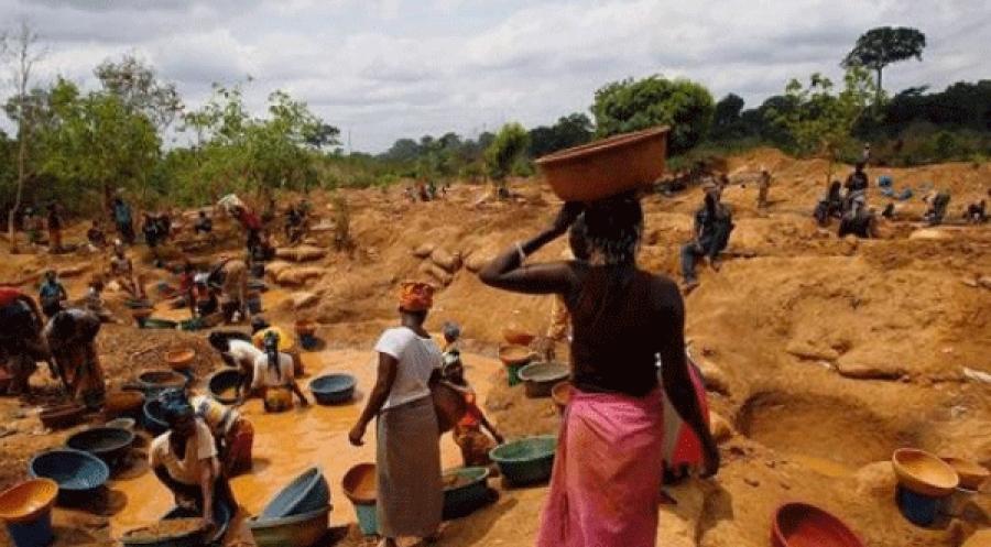 Un site d'orpaillage clandestin en Cu00f4te d'Ivoire