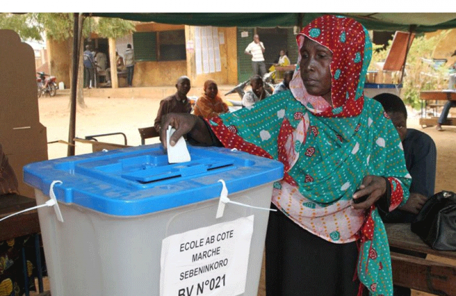 Un bureau de vote au Mali