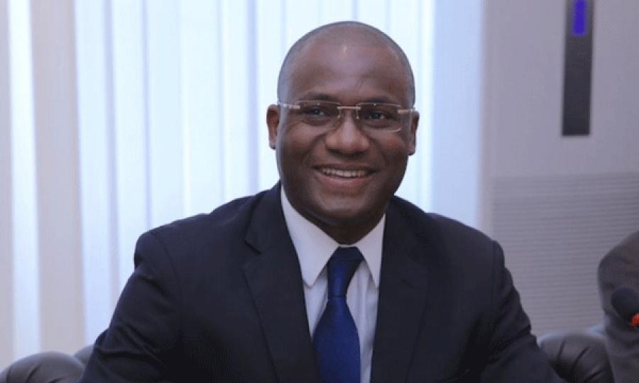 Sidi Touru00e9 exprime par ce du00e9cret son attachement au dialogue comme premier principe de rapport entre les acteurs de la presse et de la communication