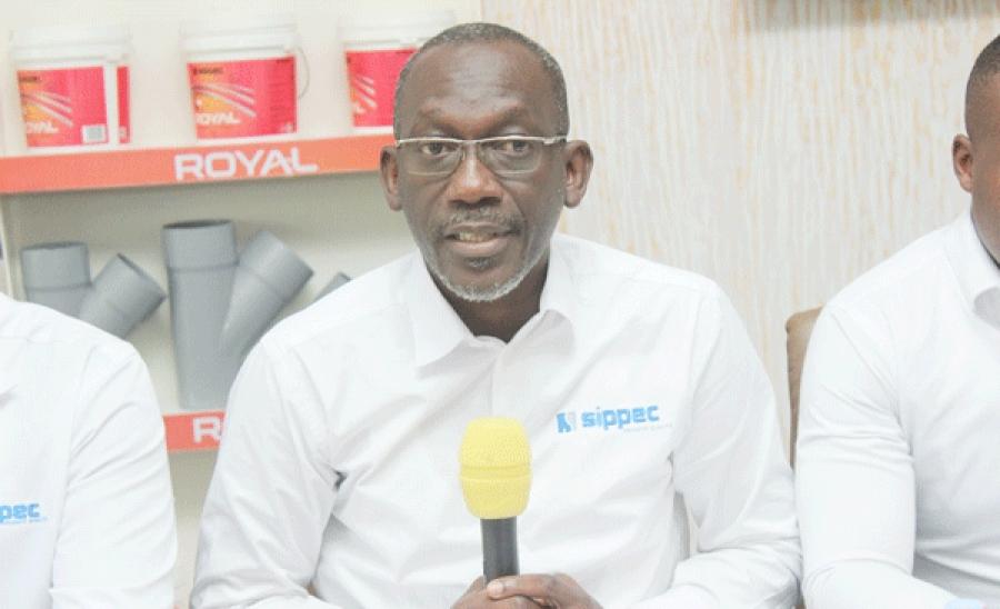 Abdoulaye Diop (au centre) a indiquu00e9 que tout est fin pru00eat pour la cu00e9ru00e9monie du2019inauguration.