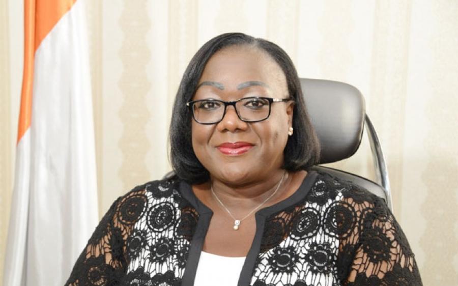 La ministre Anne Ouloto appelle u00e0 la responsabilitu00e9 des Ivoiriens pour la propretu00e9 de leur environnement.