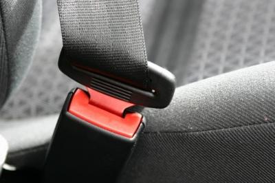 accidents de circulation 60 des d c s sont le fait du non port de la ceinture de s curit. Black Bedroom Furniture Sets. Home Design Ideas