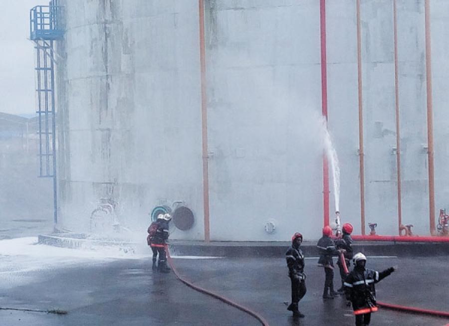 Lu2019exercice de simulation a permis du2019u00e9prouver la capacitu00e9 de ru00e9action des secours en cas de sinistre sur le site de lu2019entreprise.