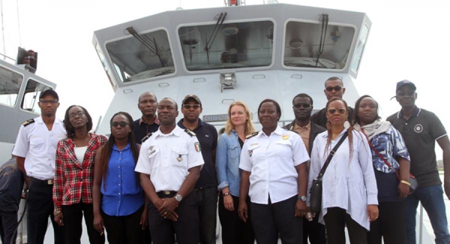 Une vue des participants u00e0 leur arrivu00e9e u00e0 la abse navale de la marine nationale au Plateau
