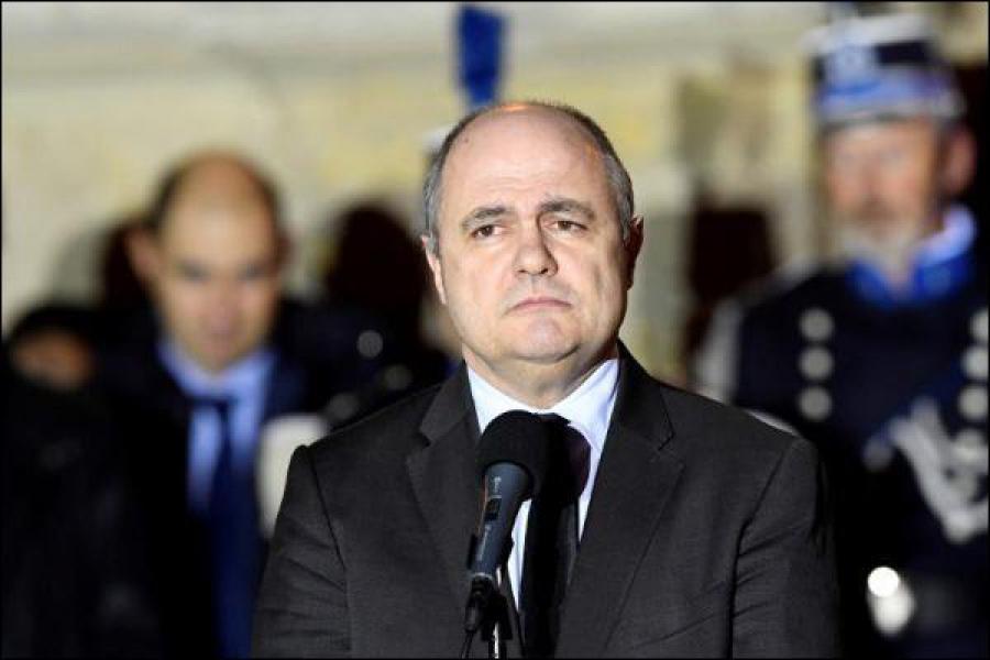 France : le ministre de l\'intérieur visé par une enquête démissionne
