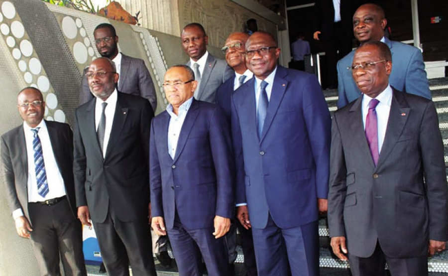 Football Le Président Ouattara reçoit le patron de la Caf