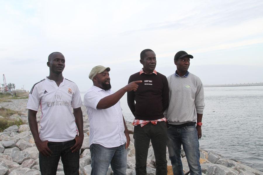 Daouda Kaboru00e9 et quelques descendants de ceux qui ont creusu00e9 le canal de Vridi