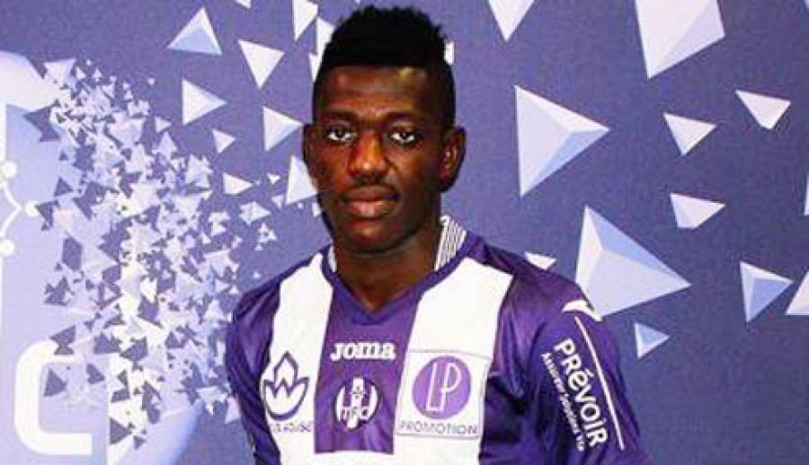 Le jeune Sangaré prolonge jusqu'en 2021 — TFC