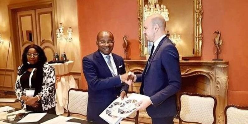 Le ministre du Tourisme et des Loisirs a signé un partenariat avec le groupe Discovery. (Dr)