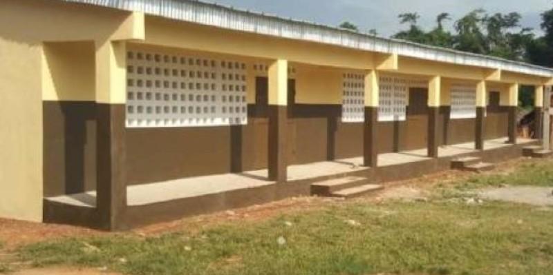 Le bâtiment réhabilité a été remis officiellement en présence des autorités administratives et politiques (DR)
