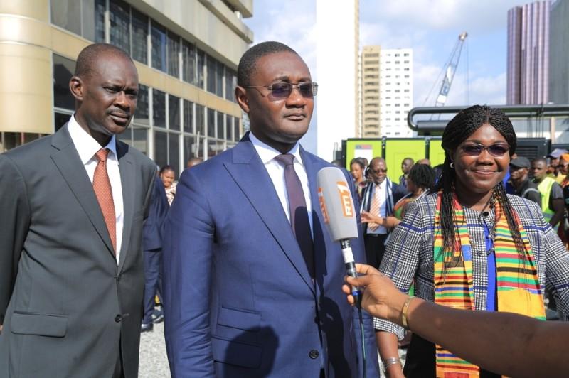 Le ministre Moussa Sanogo (au micro) s'est engagé à poursuivre les travaux d'amélioration des conditions de travail des agents. (DR)
