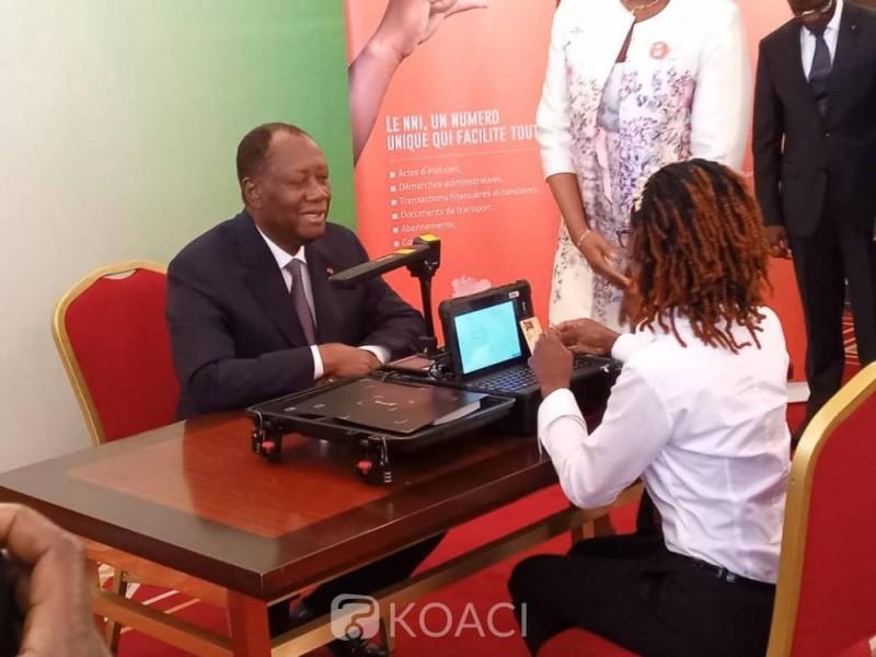 Le Président Alassane Ouattara, lors de son enrôlement à la Présidence. (DR)