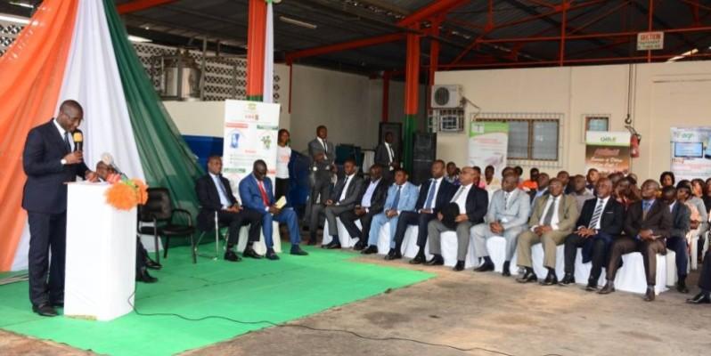 Le ministre du Commerce et de l'Industrie, Souleymane Diarrassouba (au pupitre), a invité les Pmi/Pme à protéger leurs inventions. (DR)