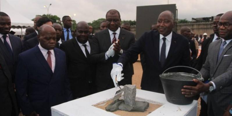 Le lancement des travaux d'amélioration de l'accès à l'eau potable à Abobo s'est concrétisé par la pose de la première pierre de l'ouvrage à réaliser. (Dadié Véronique)