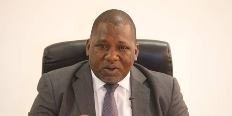 Le ministre de l'Artisanat s'est prêté aux questions des journalistes, en présence de ses plus proches collaborateurs. (Poro Dagnogo)