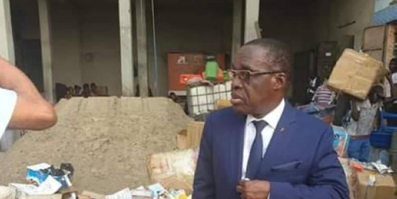 Le ministre Aka Aouélé conduit lui-même l'opération de traque des vendeuses de faux médicaments.
