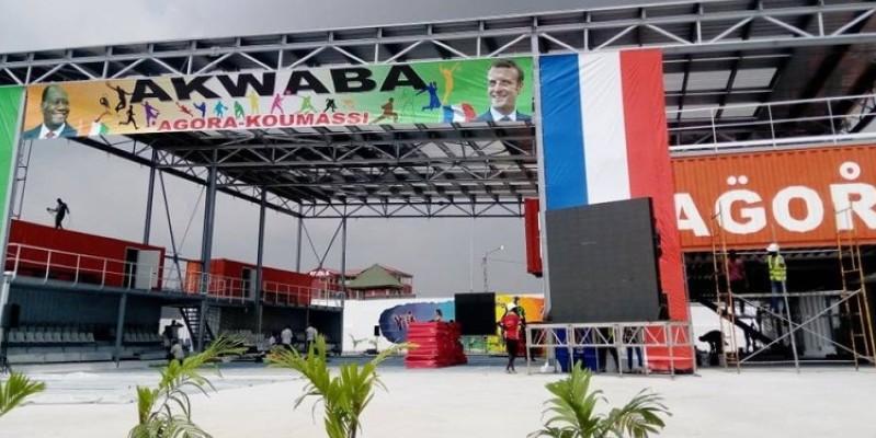 Les Présidents Ouattara et Macron procèdent à l'inauguration du projet. (Edouard Koudou)