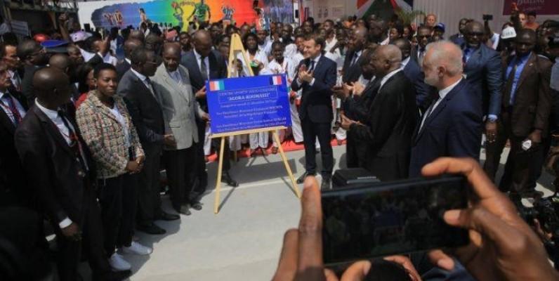 Le Président français Emmanuel Macron a inauguré le complexe sportif et socio-culturel dénommé « Agora de Koumassi ». (DR)