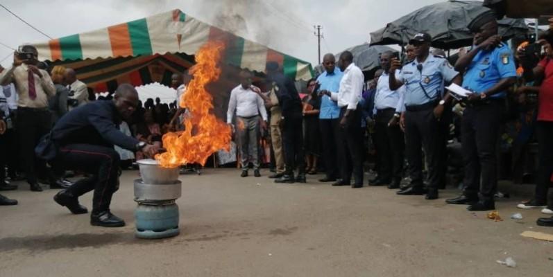 Les populations ont effectué massivement le déplacement pour assister à des démonstrations sous le regard du ministre du Pétrole, de l'Énergie et des Énergies renouvelables et le Préfet d'Abidjan. (DR)