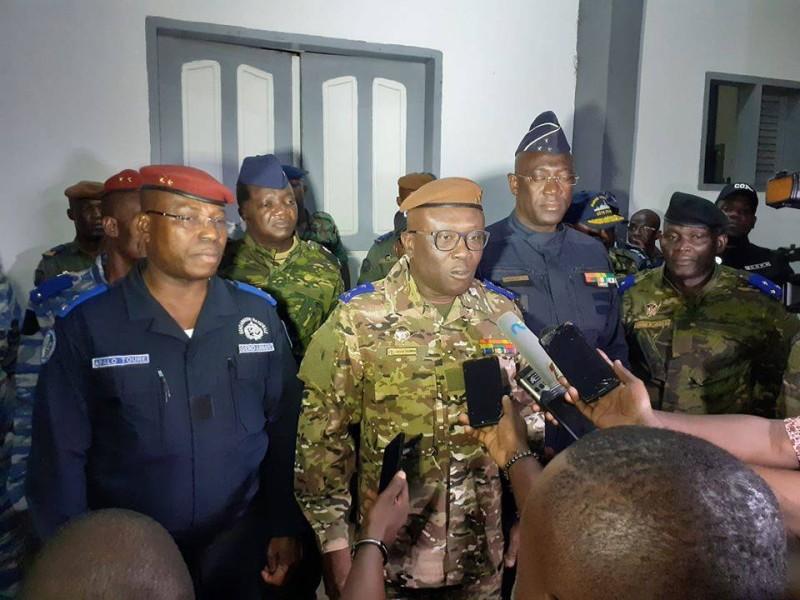 Le général de corps d'armée, Lassina Doumbia, chef d'Etat-major général des armées, accompagné des chefs de commandement de la police et de la gendarmerie ont sillonné quelques lieux de culte pour s'assurer du bon déroulement des festivités. (DR)