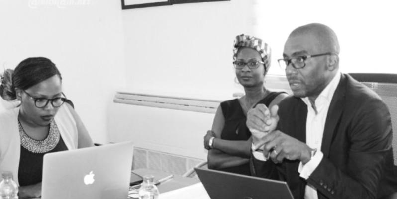 Le coordonnateur du Bcpe, Hermann Toualy (à droite), se réjouit de l'intérêt des autorités locales pour les projets d'insertion des jeunes. (DR )