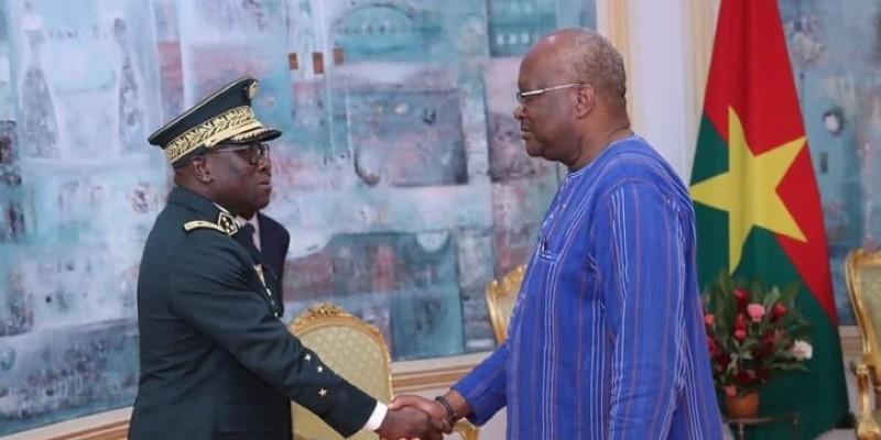 Le général Lassina Doumbia s'est aussi entretenu avec son homologue le général Moïse Minoungou. (Présidence du Faso)