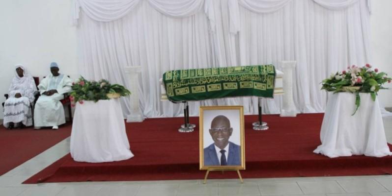 L'un des pionniers de la presse écrite, Gaoussou Kamissoko, a été porté en terre. (Joséphine Kouadio)