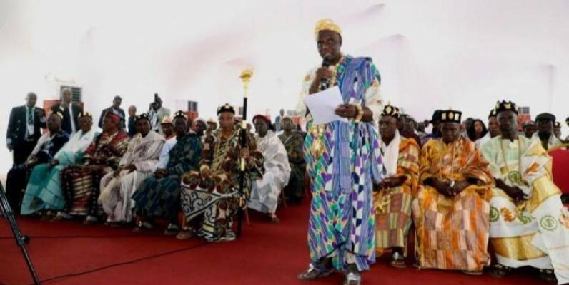 Les chefs traditionnels d`Oumé ont assuré le Premier ministre Amadou Gon Coulibaly, de leur entière disponibilité à œuvrer au maintien de la cohésion sociale. (Primature)