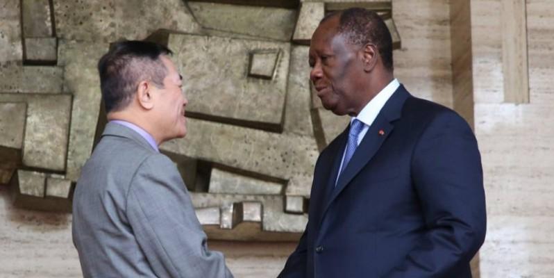 Le Chef de l'État et l'ambassadeur vietnamien ont fait un tour d'horizon des relations qui lient les deux pays. (PORO DAGNOGO)