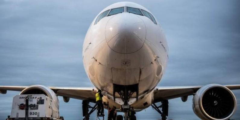 Un boeing 777 à Roissy Charles de Gaulle. (DR)