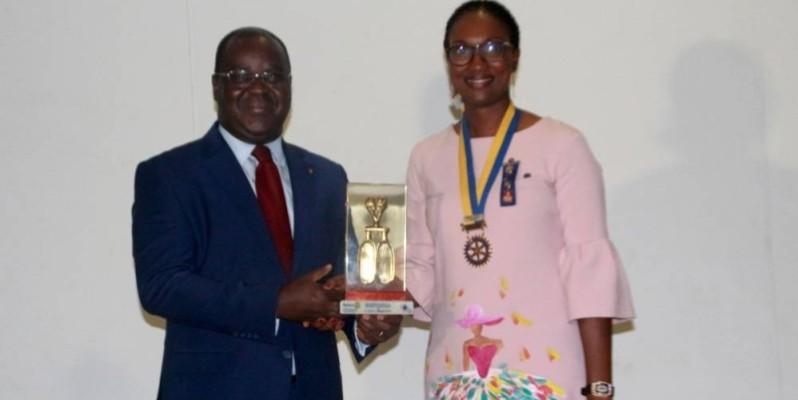 Dr Edoh Kossi Amenounvé, en compagnie de Zenab Diallo, présidente du Rotary Club Abidjan Ivoire. (DR)