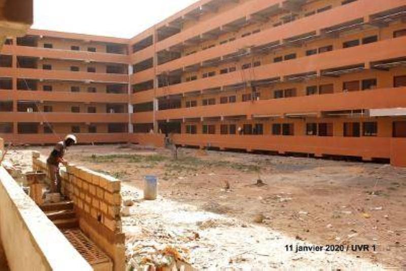 Photo d'un bâtiment de l'Université Amadou Mahtar MBOW sise à Diamniadioprise le 11 janvier 2020 (DR)