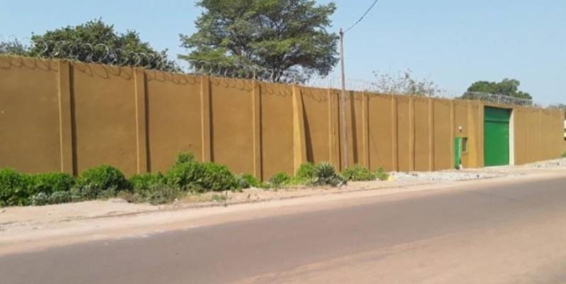 Une vue de la prison de Bouna. (DR)