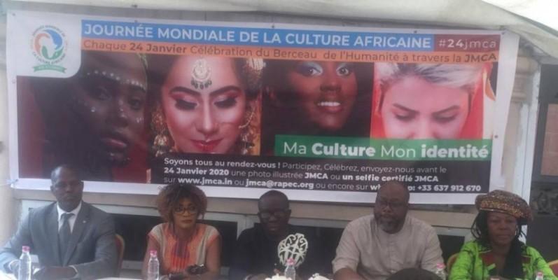Les organisateurs de la Journée mondiale de la culture africaine et afro-descendante, lors de la conférence de presse.(DR)