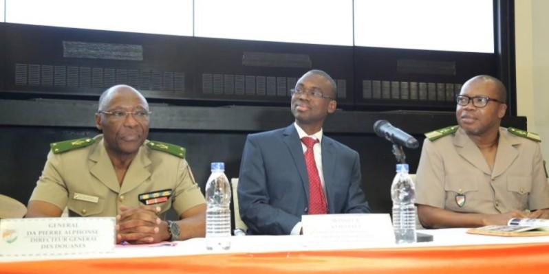 Kého Yaya (au centre), directeur de cabinet adjoint du ministre auprès du Premier ministre chargé du Budget et du Portefeuille de l'État, Moussa Sanogo, a rappelé les attentes du gouvernement. (DR)