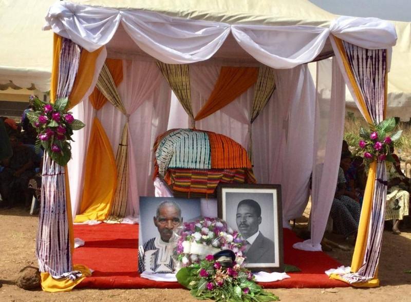 Le patriarche Bitaté Hien a eu droit à des hommages dignes de son rang. (Marcel Benié)