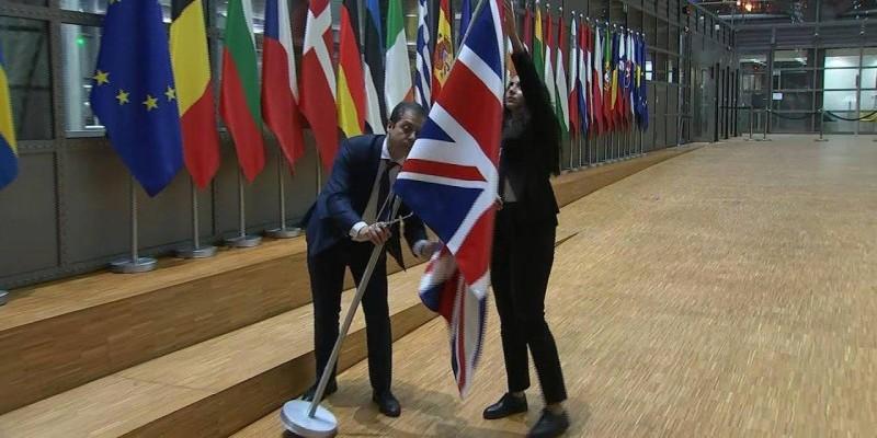 Le drapeau britannique retiré du Conseil européen à Bruxelles.(DR)