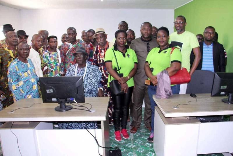 Moov CI vient réaffirmer son engagement par des dons en faveur de l'autonomisation des femmes, des jeunes et des personnes en situation de handicap... (DR)