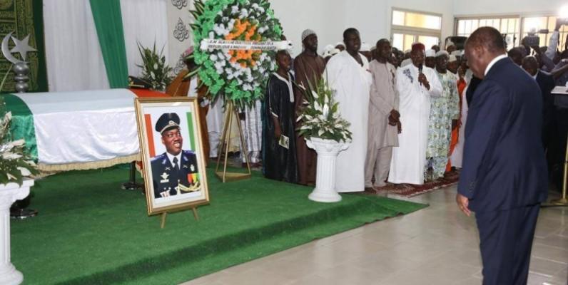 Le Président Alassane Ouattara était présent à l'Ivosep Treichville, à la levée du corps du défunt. (Poro Dagnogo)