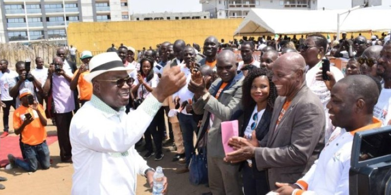 Le ministre Issa Coulibaly a procédé au baptême des membres de l'Alliance. (Dr)