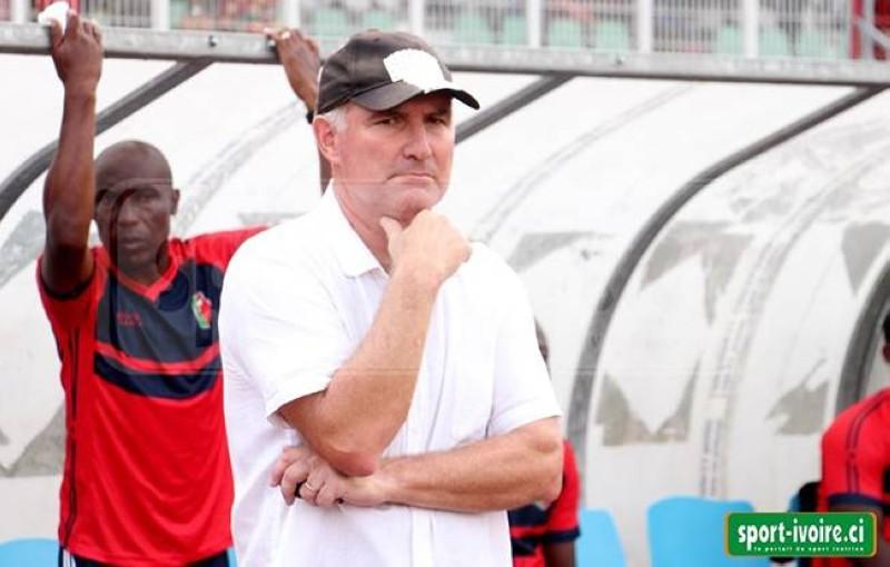 Les jours de l'entraîneur Jean-Christophe Gratecap à la tête du club vert et rouge sont comptés. (DR)