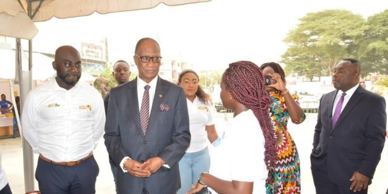 De gauche à droite, Kwame Darko (le promoteur) et l'ambassadeur du Ghana, Fred Laryea. (DR)
