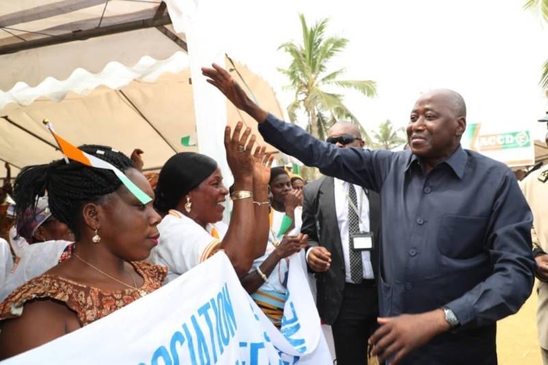 Le premier ministre ivoirien lors de sa visite de travail dans la région du Gbôklé. (Primature)