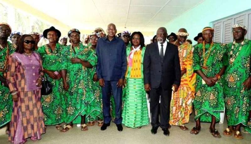 Amadou Gon et les les Rois et Chefs traditionnels de la Région du Gboklè (Primature)