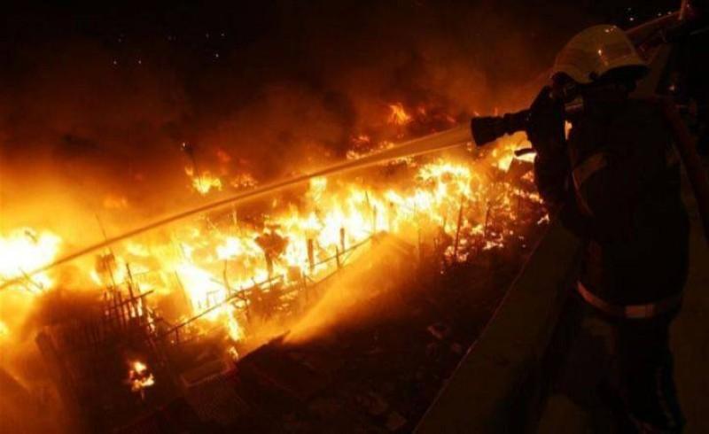 Une partie du grand marché d'Agboville part en fumée. (DR)