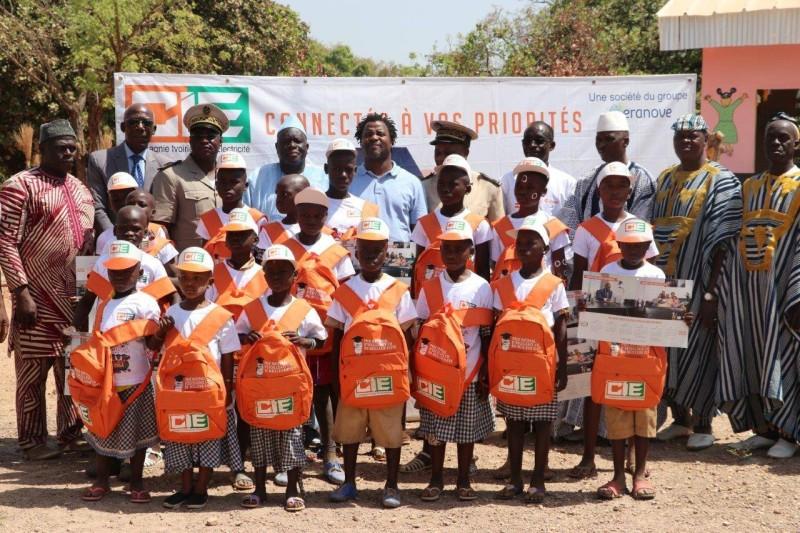 Des kits scolaires remis aux élèves de l'Epp Fodonition (DR)