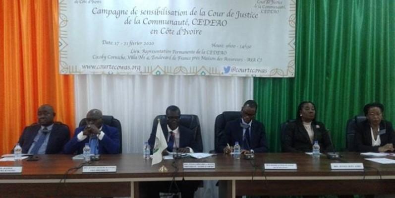 Le Président de la Cour de Justice de la Cedeao et ses collaborateurs s'attèlent à mieux faire connaître l'institution régionale aux populations ivoiriennes. (DR)