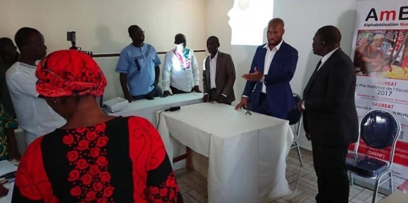 Le protocole d'accord d'exécution du projet signé il y a quelques mois à Abidjan entre l'Association pour le développement de l'éducation en Afrique et le ministère de l'Éducation. (Dr)
