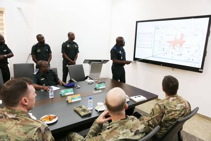 Exposé de la Situation Sécuritaire par le Général de Coprs d'Armée Lassina DOUMBIA (Ph: BIPA)