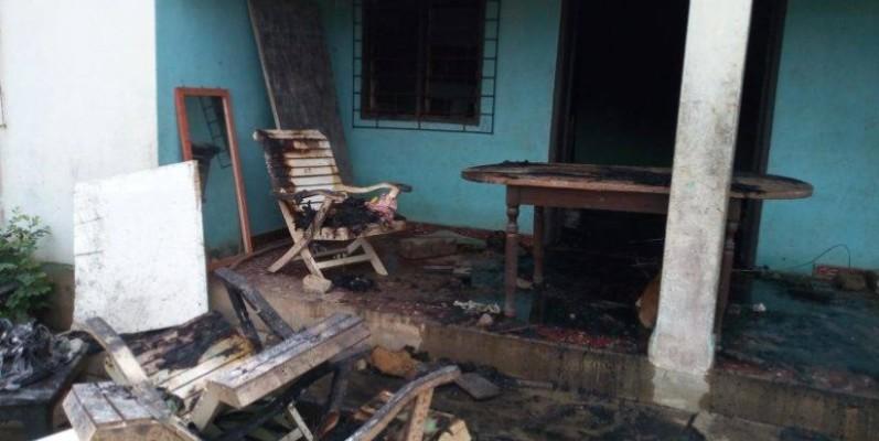 Un jeune homme a failli perde la vie dans cette habitation, le samedi 22 févier à Dabou. (DR)